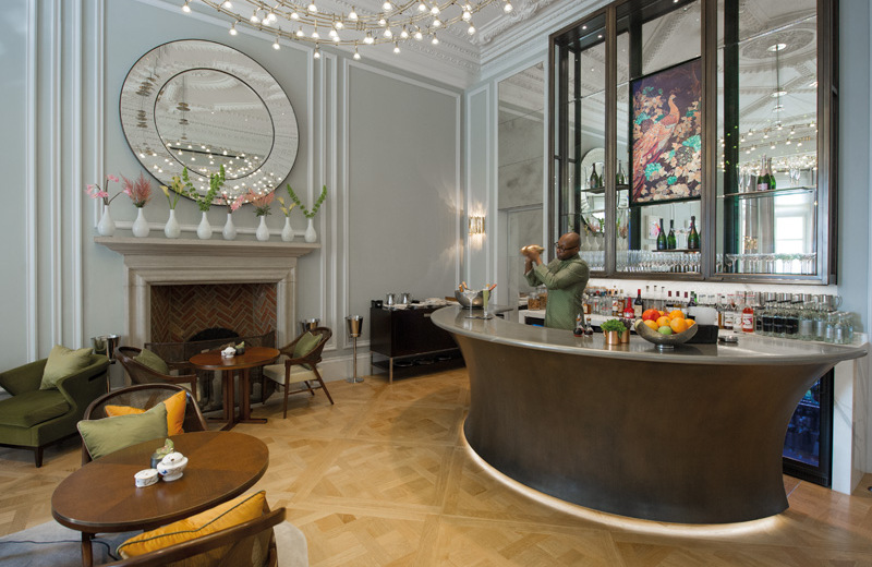 Champagne bar and mirror.